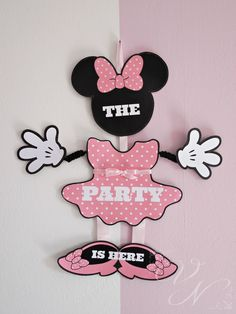 Minnie mouse birthday party decor - Minnie mouse door sign