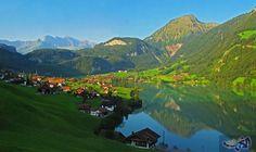 قرية في جبال الألب تعرض 25 ألف دولار لمَن يعيش فيها: تشكو القرى الجبلية في سويسرا، مثل مناطق أوروبية أخرى، من هجرة سكانها لها، وهو ما اضطر…