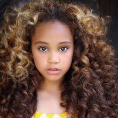 to help people out there LIKE ME ✊ Check out these videos for useful information every curly should know about. Submit your curls! Natural Hairstyles For Kids, Natural Hair Tips, Cute Hairstyles, Natural Hair Styles, Children Hairstyles, Beautiful Hairstyles, Natural Beauty, Beyonce, Medium Hair Styles