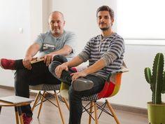Dos emprendedores egresados de la Universidad de Sevilla (US), Héctor Giner y Carlos Tabasco, han fundado hace dos años 'Commite', un estudio de productos digitales cuyos principales clientes son 'startups' norteamericanas, tras un periodo de investigación en El Cubo de Andalucía Open Future.