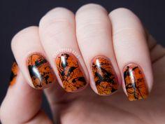 Chalkboard Nails: Spooky Splatter Nails (+ Tutorial)