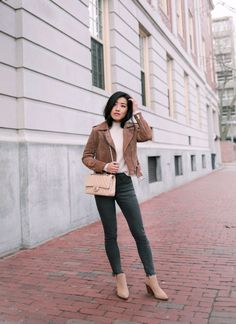 Extra Petite - Fashion, style tips, and outfit ideas Tan Boots Outfit, Chelsea Boots Outfit, Extra Petite Blog, Nude Ankle Boots, Petite Fashion, Curvy Fashion, Fall Fashion, Jeans Fashion, Style Fashion