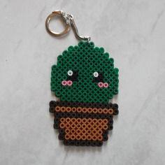 Porté clé cactus vert foncé pixel art / perles à repasser