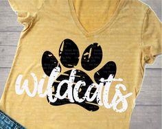 Cheer Shirts, Team Shirts, Vinyl Shirts, Sports Shirts, School Spirit Wear, School Spirit Shirts, School Shirts, School Shirt Designs, Diy Shirt