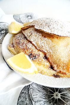 if you are looking for the best brunch recipe to feed a crowd, look no further! These lemon and raspberry pancakes will become a favorite. Raspberry Pancakes, Best Brunch Recipes, Lemon Bundt Cake, Tasty, Yummy Food, Diy Food, Food Porn, Food And Drink, Awesome Recipe