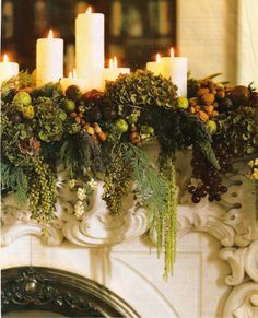 A natural christmas mantle design, fruit and flowers together has to be my favorite. Christmas Fireplace, Christmas Mantels, Noel Christmas, All Things Christmas, Winter Christmas, Christmas Crafts, Christmas Decorations, Christmas Christmas, Xmas