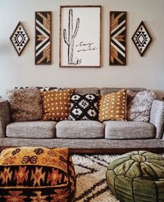 30 Bohemian Home Decor Ideas For A Boho Chic Space – These Bohemian decor ideas are western influenced. - 30 Bohemian Home Decor Ideas For A Boho Chic Space - These Bohemian decor ideas. Home Decor Accessories, Living Room Decor, Decor Inspiration, Home Decor, Chic Spaces, Southwestern Decorating, Boho Living Room Decor, Boho Bedroom Decor, Living Decor