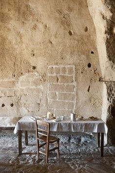 (via Stefano Scatà photographer - Hospitality / Travel / Lifestyle - Albergo Diffuso Le Grotte della Civita)