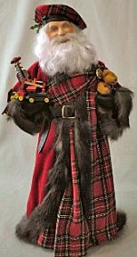 Santa in miniature royal stewart Tartan Celtic Christmas, Tartan Christmas, Christmas Colors, Christmas Themes, Vintage Christmas, All Things Christmas, Christmas Crafts, Santa Crafts, Duende Real