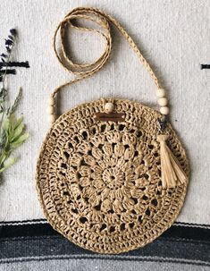 Best 12 Boho Crochet Bags – how to make your own OOAK bag – MotherBunch Crochet – SkillOfKingShell Rattan Bag from March Crochet Bag Pattern Ideas - Page 42 of Do not throw old jeans 🙂Crochet Lacey Charma Neck Warmer - Lidia Crochet Tricot, Crochet Tote, Crochet Handbags, Crochet Purses, Love Crochet, Crochet Flowers, Crochet Shoulder Bags, Macrame Bag, Macrame Mirror