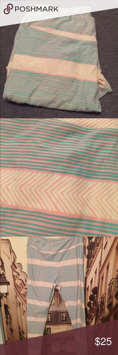LuLaRoe Tall & Curvy leggings blue/pink These leggings are New Without Tags. (They were purchased from a photo that made them look grey/pink instead of blue/pink.) They'd be great for a gender reveal party! Or just cute on a spring day! Material-92% polyester/8% spandex LuLaRoe Pants Leggings