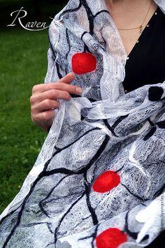 """Купить """"Королевский сад"""" палантин летний валяный - чёрно-белый, нуновойлочный палантин, модный аксессуар"""
