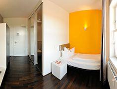 Design-Einzelzimmer One Bedroom, Cabinet, Storage, Classic, Furniture, Design, Home Decor, Single Bedroom, Hotel Bedrooms