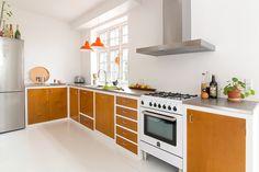 det_mondaene_skur_copenhagen_kichen_koekken_lakeret_forramme_koekken05 Kitchen Design, Kitchen Decor, Kitchen Ideas, Kitchen Gadgets, Wood Furniture, My Dream Home, Room Inspiration, Home Kitchens, Hammock