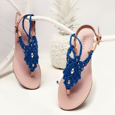 Marine Blue Macrame and Pink Leather Sandal with ankle strap / Summer sandal / thong sandals / flat sandals / barefoot / macramé sandals Crochet Sandals, Crochet Shoes, Stylo Shoes, Decorating Flip Flops, Beaded Braclets, Flipflops, Bare Foot Sandals, Flat Sandals, Marine Blue