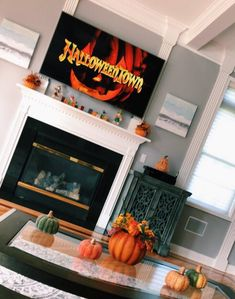 Always wandered how to conquer the bad weather and dry cold? Read the guide and try one of these out! Halloween Home Decor, Halloween House, Fall Home Decor, Fall Halloween, Halloween Festival, Halloween Season, Halloween Costumes, Seasonal Decor, Holiday Decor