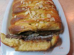 Τσουρέκι με σοκολάτα και ινδοκάρυδο όπως...Toblerone! Toblerone, Greek Easter Bread, Cheesesteak, Hamburger, Cooking, Ethnic Recipes, Sweet, Food, Kitchen
