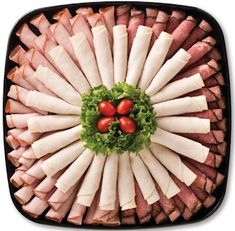 pictures of deli meat and cheese trays Meat Cheese Platters, Deli Platters, Deli Tray, Meat Trays, Meat Platter, Charcuterie Platter, Food Platters, Fingers Food, Sandwich Bar