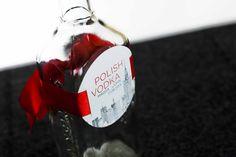 Ozdobne etykiety na alkohol, poligrafia ślubna dostosowane do stylistyki zaproszenia: daa.pl/hy5D