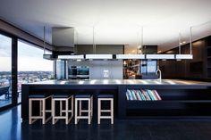 Küche mit Essbereich Barstühle aus Holz Pendellampen-Cubo Penthouse