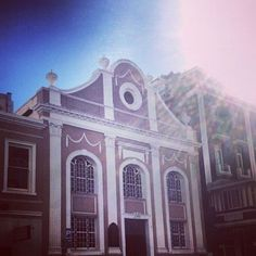 the awesome architecture of Long Street – Cape Town Tourism Cape Town Tourism, The Great Escape, Diaries, Barcelona Cathedral, Places To See, South Africa, Taj Mahal, Road Trip, African