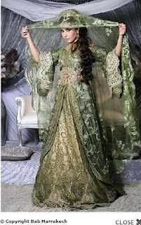 Gowns Pagan Wicca Witch:  Green gown with veil.