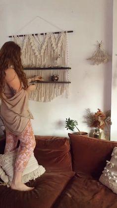 Macrame Wall Hanging Patterns, Macrame Plant Hangers, Macrame Art, Macrame Design, Macrame Projects, Macrame Knots, Macrame Patterns, Yarn Wall Art, Creation Deco