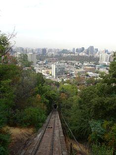 Die Seilbahn auf den Cerro San Cristobal in Santiago de Chile - Global Introvert