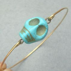 This screams NOLA! I have a feeling that scull beads like this one are going to become a popular trend soon.