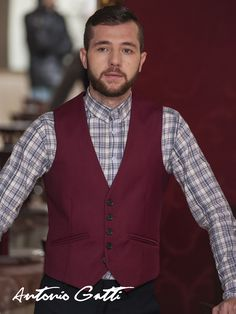 Add some refinement to your outfit with this slim fit waistcoat made of merino wool blend. Men's Waistcoat, Fashion Men, Merino Wool, Wool Blend, Vest, Slim, Elegant, Fitness, Outfits