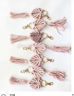 Ropeandbloom macramé keychains for baby shower, bridesmaids gifts and Macrame Design, Macrame Art, Macrame Projects, Macrame Knots, Macrame Jewelry, Diy Jewelry, Art Macramé, Micro Macramé, Diy Keychain