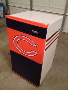 DIY, Chicago Bears, garage fridge