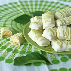 Key Lime Bars Dipped in White Chocolate Are you ready for a new take on Key Lime Pie? I'm so excited to share this fun and easy way to enjoy Key Lime Pie. These key lime bars ar… Key Lime Desserts, Lemon Dessert Recipes, Lime Recipes, Just Desserts, Delicious Desserts, Health Desserts, Dessert Buffet, Dessert Bars, Dessert Ideas