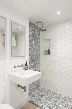 Love the use of grey and white patterned tiles in this shower area in this bathroom don't you? #bathroom #bathroomdesign #bathroomideas