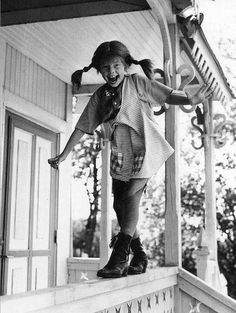 Pippi Longstocking, Original title: Pippi Långstrump, 1969 with Inger Nilsson. One of my few good memories of childhood - watching Pippi Langstrumpf. Photo Trop Belle, Jolie Photo, Powerful Women, Back In The Day, White Photography, I Movie, Childhood Memories, Black And White, The Originals
