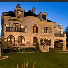 Gorgeous Icf Home Plans with great Exterior Designs: Great Traditional Exterior Design Used Icf Home Plans With Classical Touch And Luxury D. Traditional Exterior, Big Houses, Fancy Houses, House Goals, My Dream Home, Dream Homes, Dream Big, Dream Mansion, Exterior Design