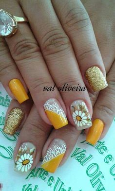 Amarelo flores Great Nails, Perfect Nails, Cute Nails, Spring Nail Art, Spring Nails, May Nails, Yellow Nail Art, Crazy Nail Art, Exotic Nails