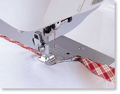 Applies Bias Strips In One Step The Husqvarna Viking Bias Binder Foot will save you hours of work on your next binding project. Transform raw bias strips into perfectly precise binding. The Husqvarna Viking Bias Binder Foot will fold, feed, flatten, an Sewing Tools, Sewing Hacks, Sewing Kit, Sewing Projects, Bernina Bernette, Janome, Husqvarna Viking, Brother Sewing Machines, Sewing Machine Accessories
