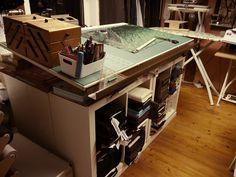 Vestimentum Gewanddesign - exklusive Maßanfertigung - Atelier Corner Desk, Workshop, Furniture, Design, Home Decor, Atelier, Corner Table, Decoration Home, Room Decor
