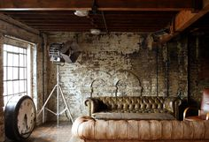 Dirty chic deco