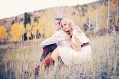 Utah Fall Engagements by Gideon Photography. Beautiful Aspen Trees!