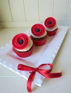 step by step artsy poppy cupcake topper