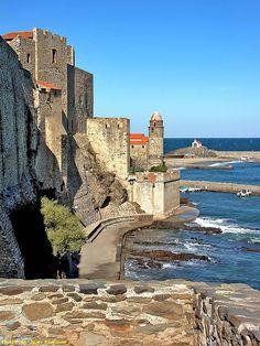Château et N.D.des Anges - Collioure, de Jean Krausse #tourisme #campingcar