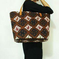 Nala Brown Batik Leather Tote