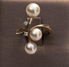 Pearl Earrings, Marketing, Pearls, Jewelry, Gold, Pearl Studs, Jewlery, Jewerly, Beads