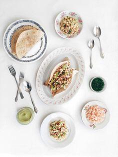 Je vous présente aujourd'hui ma recette de tacos printaniers aux crevettes rosées! Yay! D'ailleurs, je ne sais pas pourquoi je n'avais jamais pensé à ça avant, mais j'ai eu …