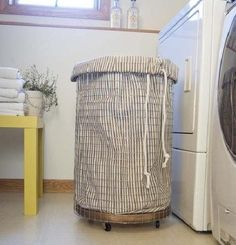 Love this Cheap & Chic clothes hamper: How To Make a French-Vintage-Inspired Wire Hamper Diy Casa, Wood Circles, Ideas Hogar, Laundry Hamper, Laundry Bin, Laundry Cart, Laundry Rooms, French Vintage, Home Projects
