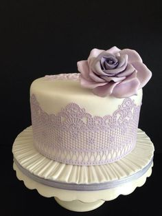 Lemon/limoncello birthday cake decorated with a handmade sugar paste rose and… Purple Wedding Cakes, Wedding Cakes With Flowers, Flower Cakes, Cake Wedding, Gold Wedding, Floral Wedding, Bolo Floral, Floral Cake, Fondant Girl