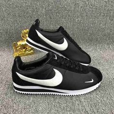 online store a3682 79347 Nike Classic Cortez Embroidery Black White