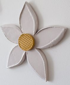White ceramic flower 3d ceramic wall art Dimensions: 28cm x 29cm x 2cm Handmade unique piece made in our small and family studio using traditional processes and committed to the environment. We do eve